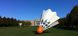 One-of-four-large-sculpture-birdies-placed-throughout-The-Nelson-Atkins-Musueum-of-Arts-Green-by-husband-and-wife-team-Claes-Oldenburg-and-Coose-van-Bruggen.-Each-birdie-weighs-5500-pounds-standing-nearly-18-feet-tall.2