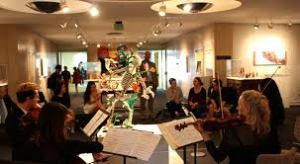 Music resounded through in the galleries on Thursdays.
